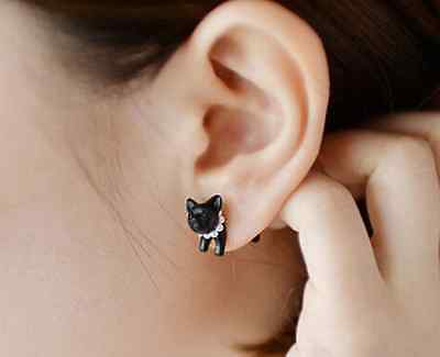 Black Punk Cool Simple Stereoscopic Cat Kitten Impalement Lady Stud Earring one
