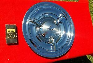 1957 oldsmobile  spinner hubcap   show   {{{{{{{{}}}}}}}}