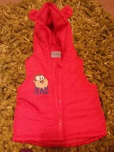 Baby bodywarmer by LOONEYTUNES red hood used but great condition912months - Bedworth, United Kingdom - Baby bodywarmer by LOONEYTUNES red hood used but great condition912months - Bedworth, United Kingdom