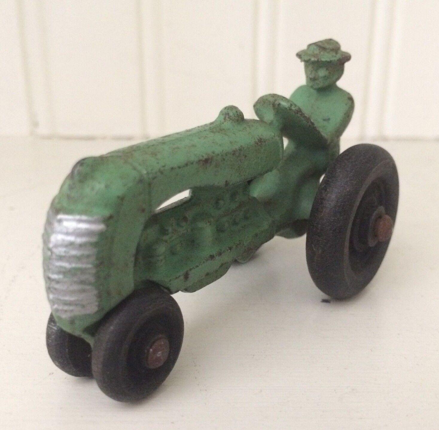 VINTAGE ARCADE TOYS CAST IRON TOY OLIVER FARM TRACTOR- MIDGET 1938- green