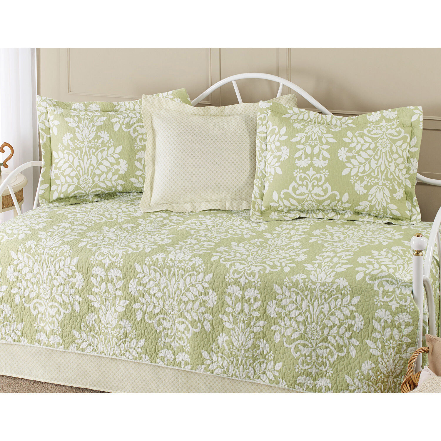 BEAUTIFUL 5PC WHITE SAGE GREEN LEAF FLORAL DAY BED TEXTURED DAYBED SET  NEW