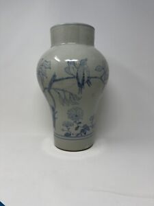 Antique Chinese/ Asian Blue and White Porcelain Vase With Birds LARGE !!