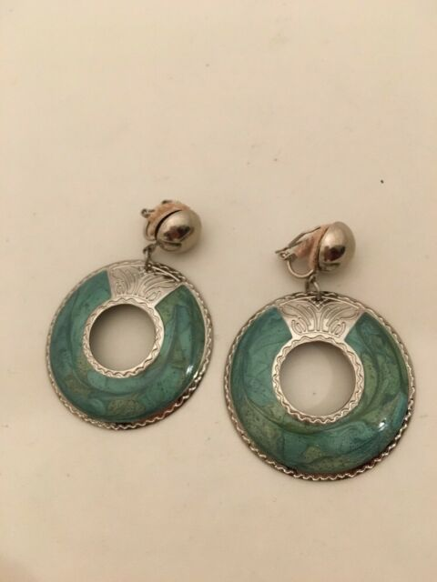 "Vintage Edgar Berebi Silvertone&  Green Enamel  Dangle 2"" Earring (580)"