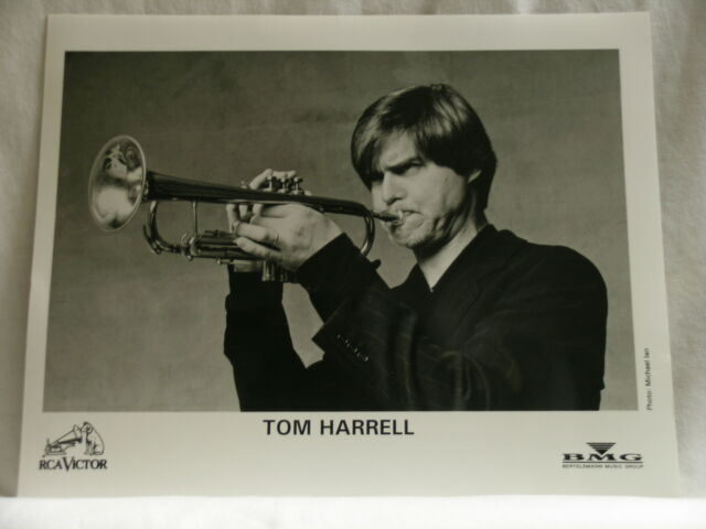 TOM HARRELL Labyrinth RCA BMG promo only 2 (two) glossy 8 x 10 photos