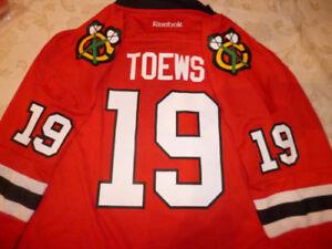 Chicago-Blackhawks-jersey-NEW-w-tags-Jonathan-Toews-youth-BOYS-L-xl-amp-girl-M-70
