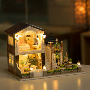 DIY Wooden Dollhouse Miniature Kit w / LED Light+Music Box-Country Lodge