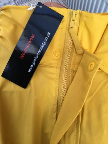 UNISEX WATERPROOF PROTECTIVE WEATHERWEAR JACKET NEW WITH TAGS SIZE MEDIUM