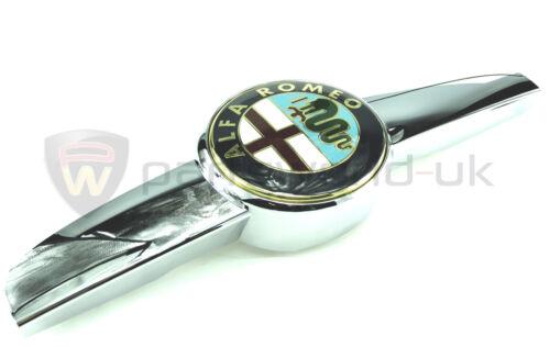 /& Bordure Neuf Authentique ALFA ROMEO 159 Chrome effet Badge calandre//orn