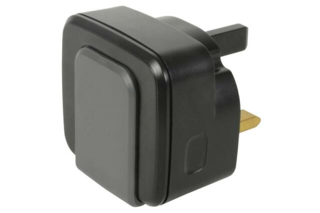 Mercury 421.764 Compact Size Twin USB Sockets 2.4A Output Mains Charger - Black