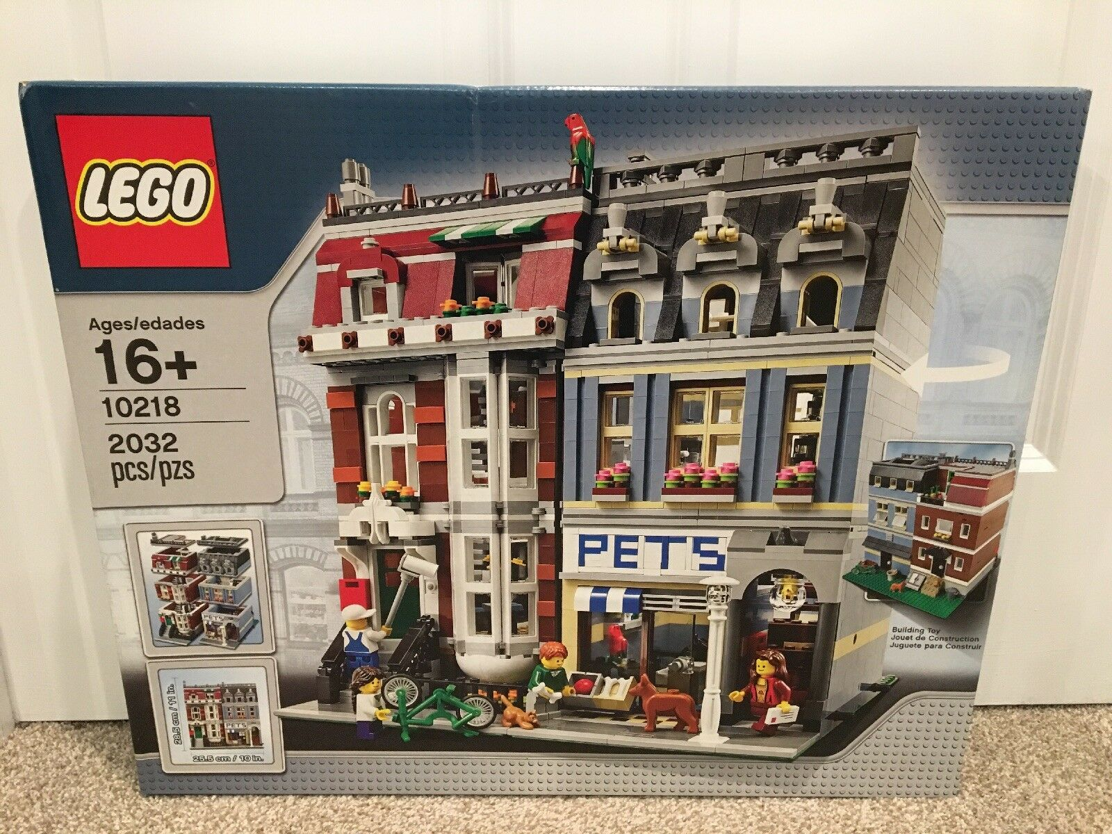 LEGO CREATOR @ 10218 CREATOR PET SHOP / BRAND NEW & SHIPS FAST