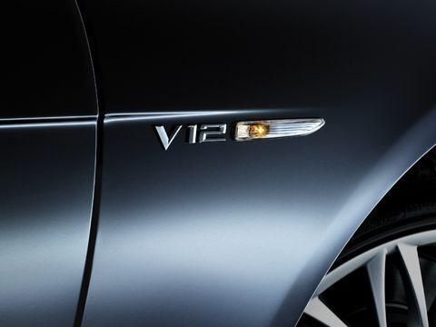 BMW NEW GENUINE E65 7 SERIES V12 FENDER WING BADGE EMBLEM LEFT N//S 7033255