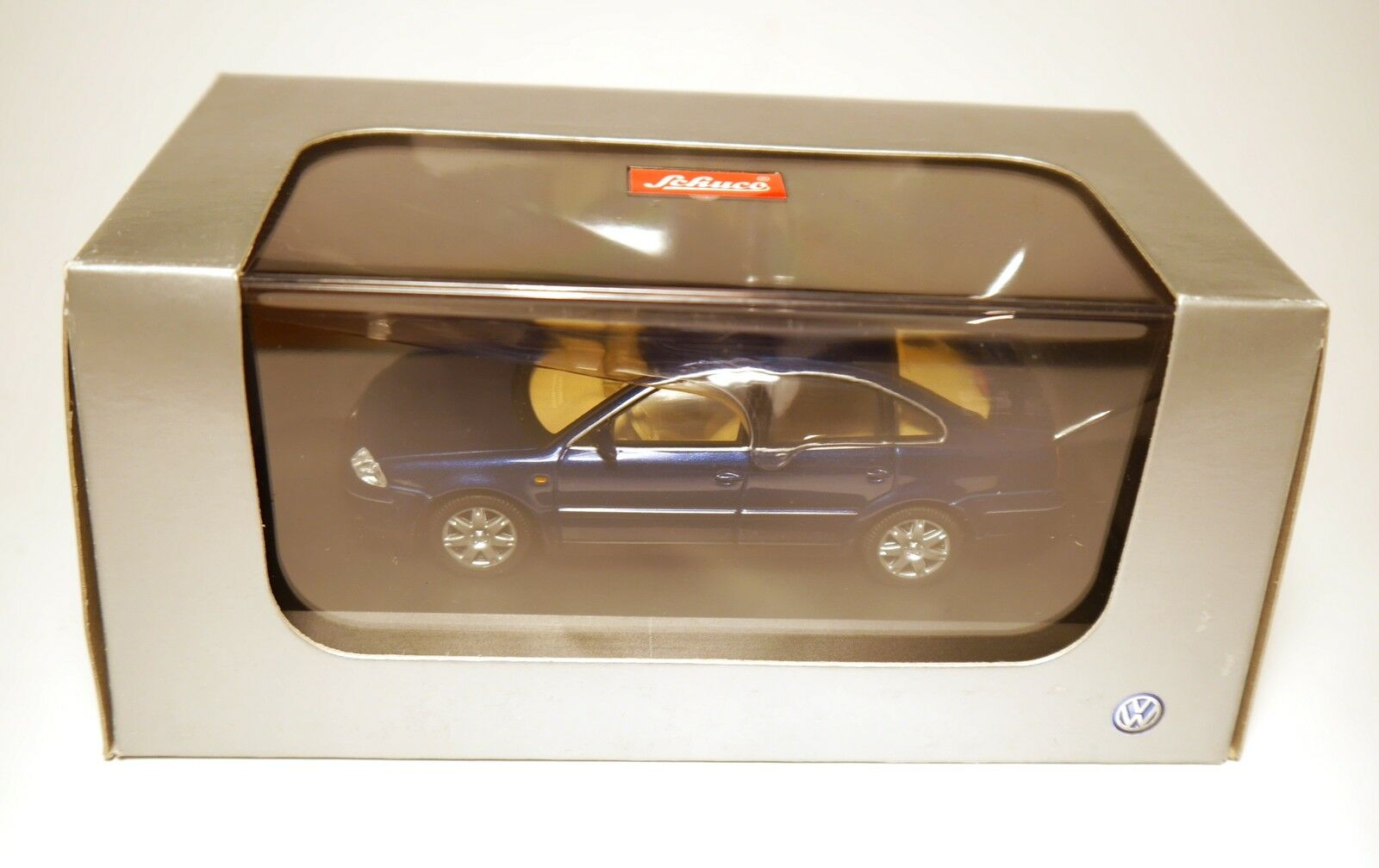 VW PASSAT B5 GP Type 3BG 2000-2005 Sedan Saloon bluee Schuco 1 43 Boxed