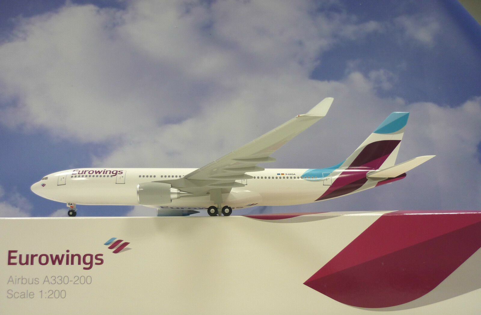 Limox Wings 1 200 Airbus A330-200 Eurowings D-Axga EW03  Ailes de Herpa Katalog