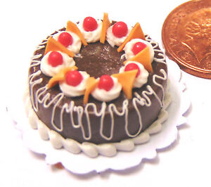 1-12-Scale-Round-Cake-With-Chocolate-Icing-Doll-House-Miniature-Accessory-HZ