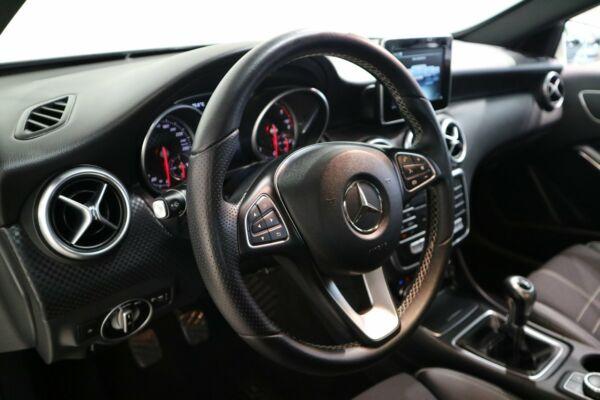 Mercedes A180 d 1,5 Urban - billede 4