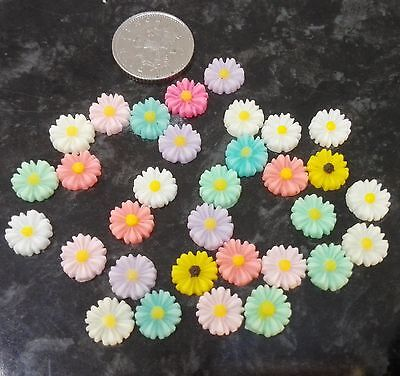 30 x Coloured Daisy Flower Cabochons 8mm Resin Flat backed assorted