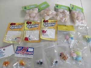 15 VINTAGE PACKS ASSORTED MINIATURE PLASTIC EASTER COLLECTABLES