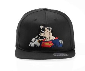 f1663961 Image is loading FUNNY-COOL-BATMAN-SUPERMAN-KISSING-SNAPBACK-HAT-CAP-