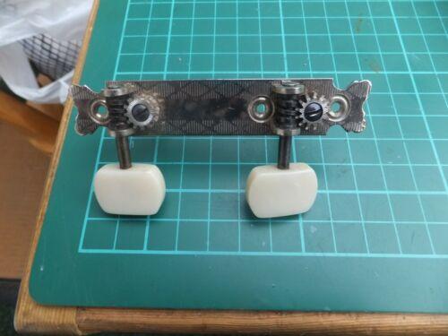 unused G/&D side strip half set of hofner bass tuners
