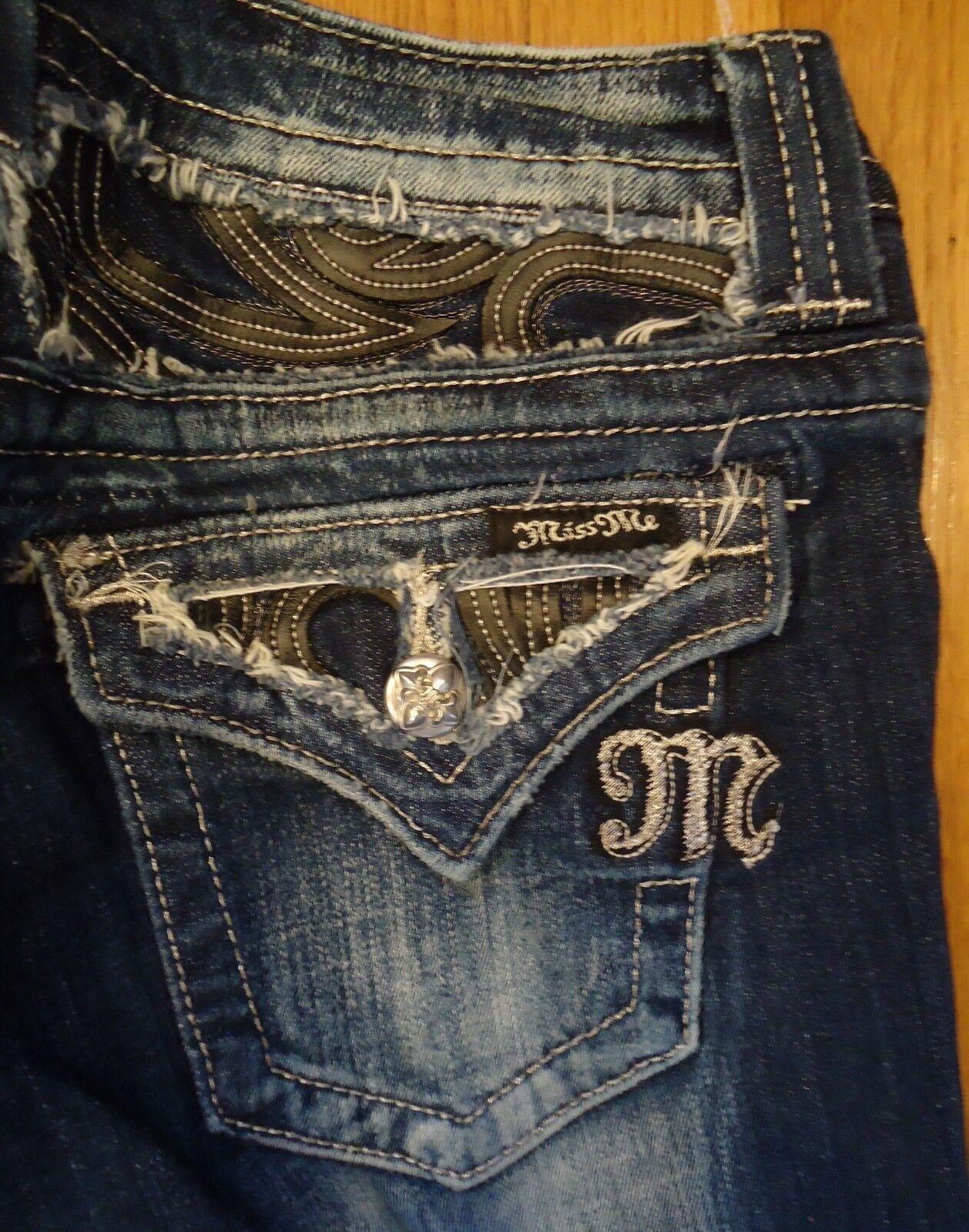 NWOT Miss Me Jeans JE6063P3 Capris Size 27
