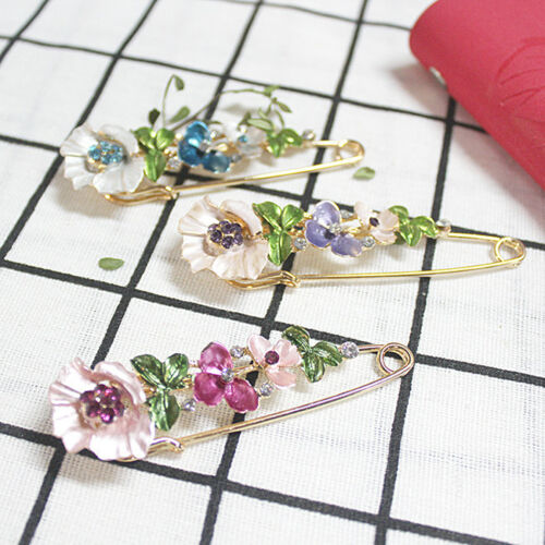 Colorful Flower Brooch Pin Badge Crystal Lapel Jeans Bag Brooches Decoration one