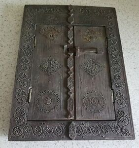 UNIQUE-HANDMADE-GOTHIC-CLAY-CARVED-PICTURE-DOOR-FRAME-6-5-034-X-9-034-ARTS-amp-CRAFTS
