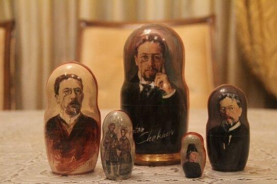 Cechov FAMOSO SCRITTORE RUSSO Bambola russa impilabile MATRIOSKA 5pc  7