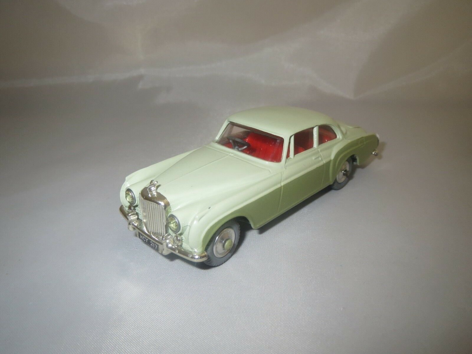 CORGI TOYS 224 BENTLEY CONTINENTAL SPORTS SALOON (hell-vert foncé) sans VP.