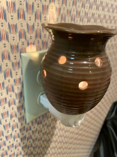 Details about  /Scentsy Groovy Brown Night Light Tart Warmer EUC