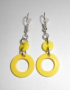 Boucles d'oreilles Pendantes cercle ronde Ø1.8cm-3.5cm long jaune BPE02H - France - État : Neuf avec étiquettes: Objet neuf, jamais porté, vendu dans l'emballage d'origine (comme la bote ou la pochette d'origine) et/ou avec étiquettes d'origine. ... Fermoir: Dormeuses Couleur dominante: Jaune Type: Pendantes Marque: - Sans m - France