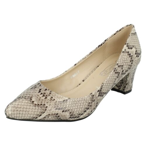 £9.99 F9807 LADIES SPOT ON SLIP ON MID HEEL SNAKE PRINT POINTED TOE COURT SHOES