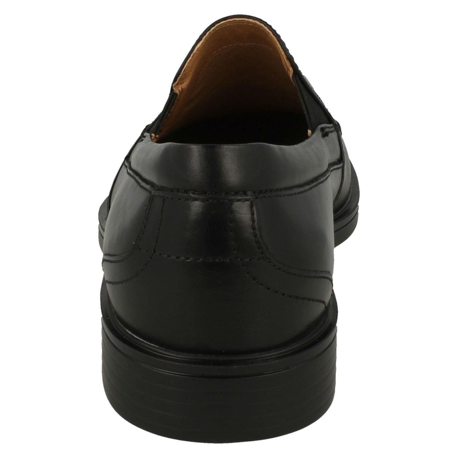 Uomo Clarks Un ALDRIC slip nero o marrone scuro scarpe slip-on di pelle Scarpe classiche da uomo