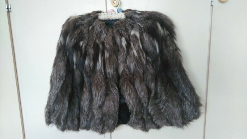 Silver Fox Fur Cape (Medium size)