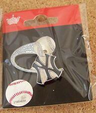 2013 NY New York Yankees soaring ball glitter trail lapel pin MLB