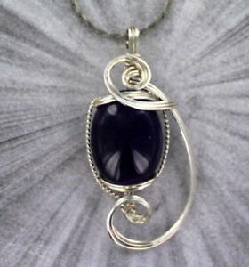 Amethyst-Gemstone-Pendant-Necklace-in-Sterling-Silver-Wire-Wrapped
