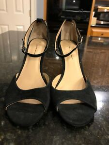 NEW-Anthropologie-Black-Ankle-Strapped-Suede-Heels-Size-9