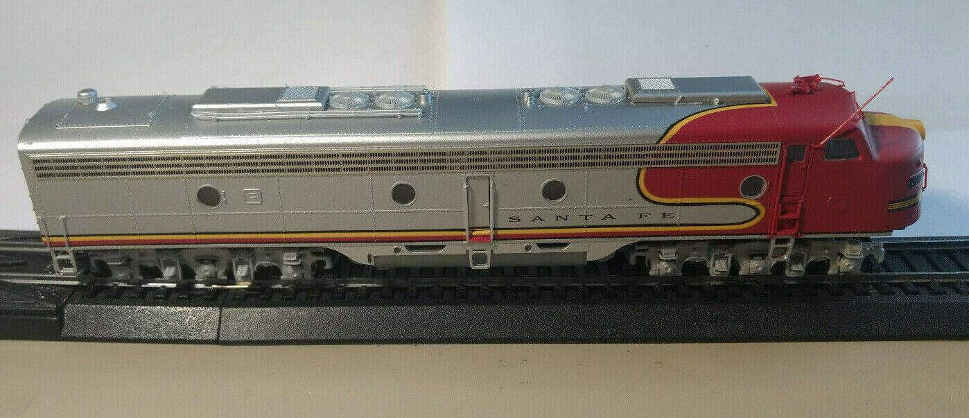 HO scale Model power  engine locomotive EMD 8  No 87   Vintage rare