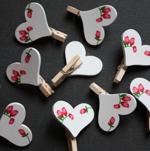 20 x Mini Shabby Chic Flower Love Heart PEG Wooden Wedding Table Card holders