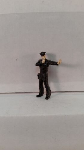 New Arttista S Scale Figure 741 People Model Trains Traffic Cop Policeman