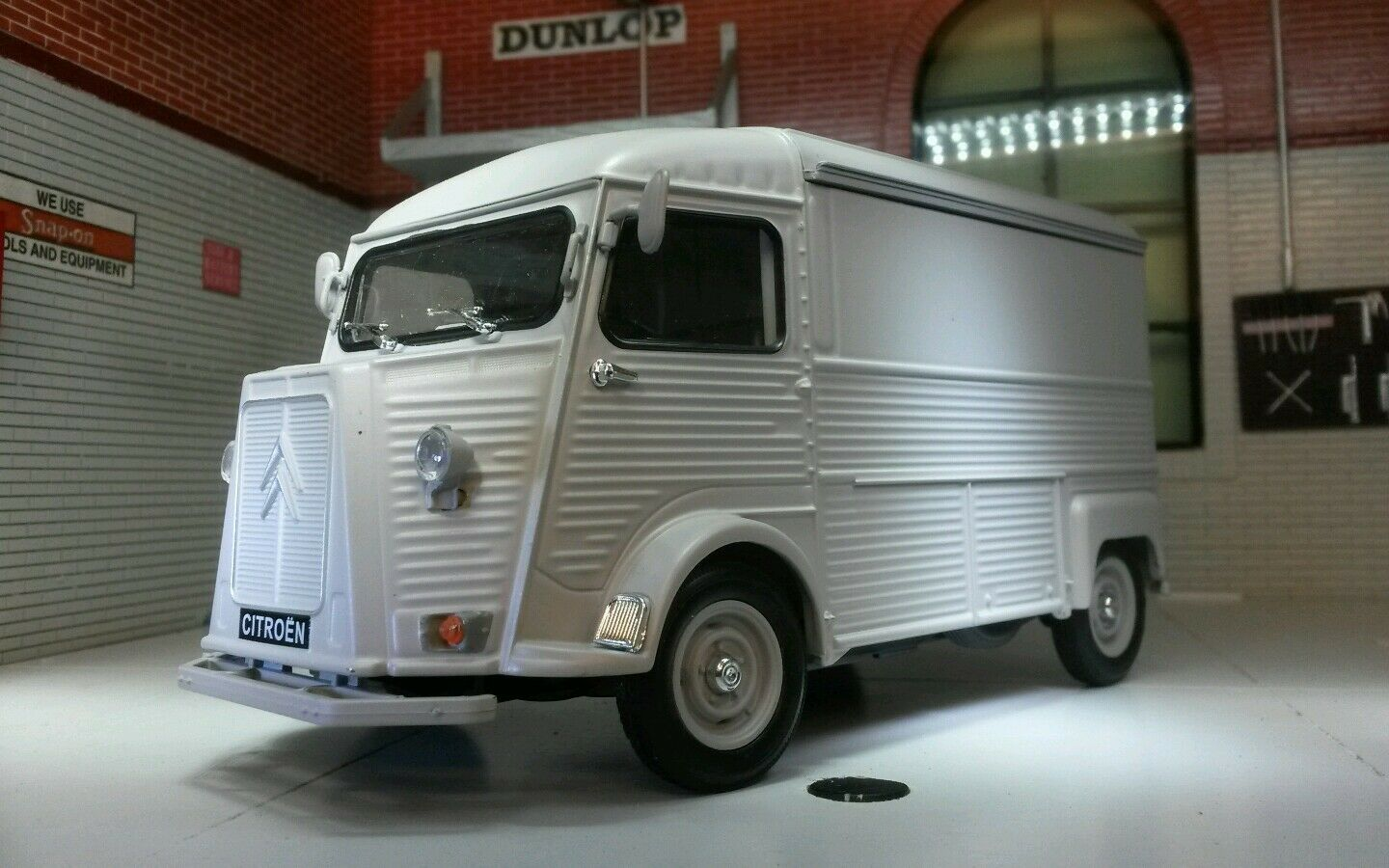 Citroen H Type Catering Trailer Van 1 24 Scale Very Detailed Model 24019 Grey