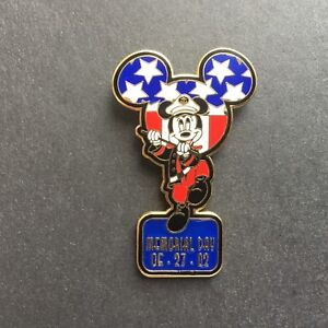 DLR-Memorial-Day-2002-Mickey-Mouse-Limited-Edition-3500-Disney-Pin-12030
