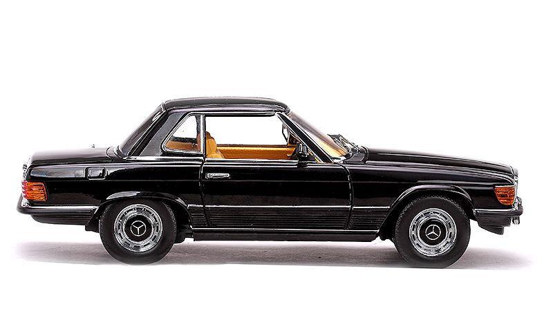 1977 MERCEDES 350SL noir 1 18 Sunstar 4596