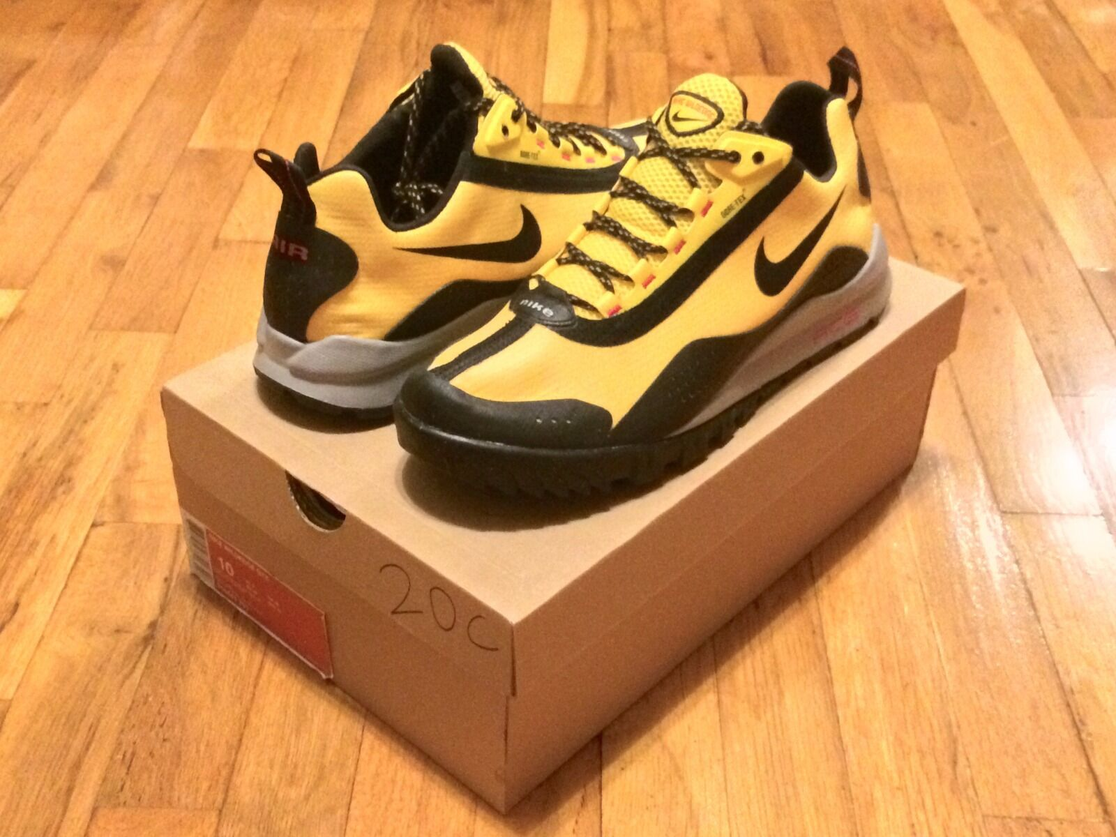 NIKE WILDEDGE GTX VARSITY MAIZE 316441 701 SIZE 10 DS RARE