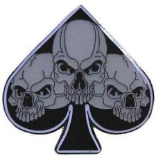 TRIPLE SKULL SPADES HAT OR JACKET PIN pin593 new jacket lapel metal skull head