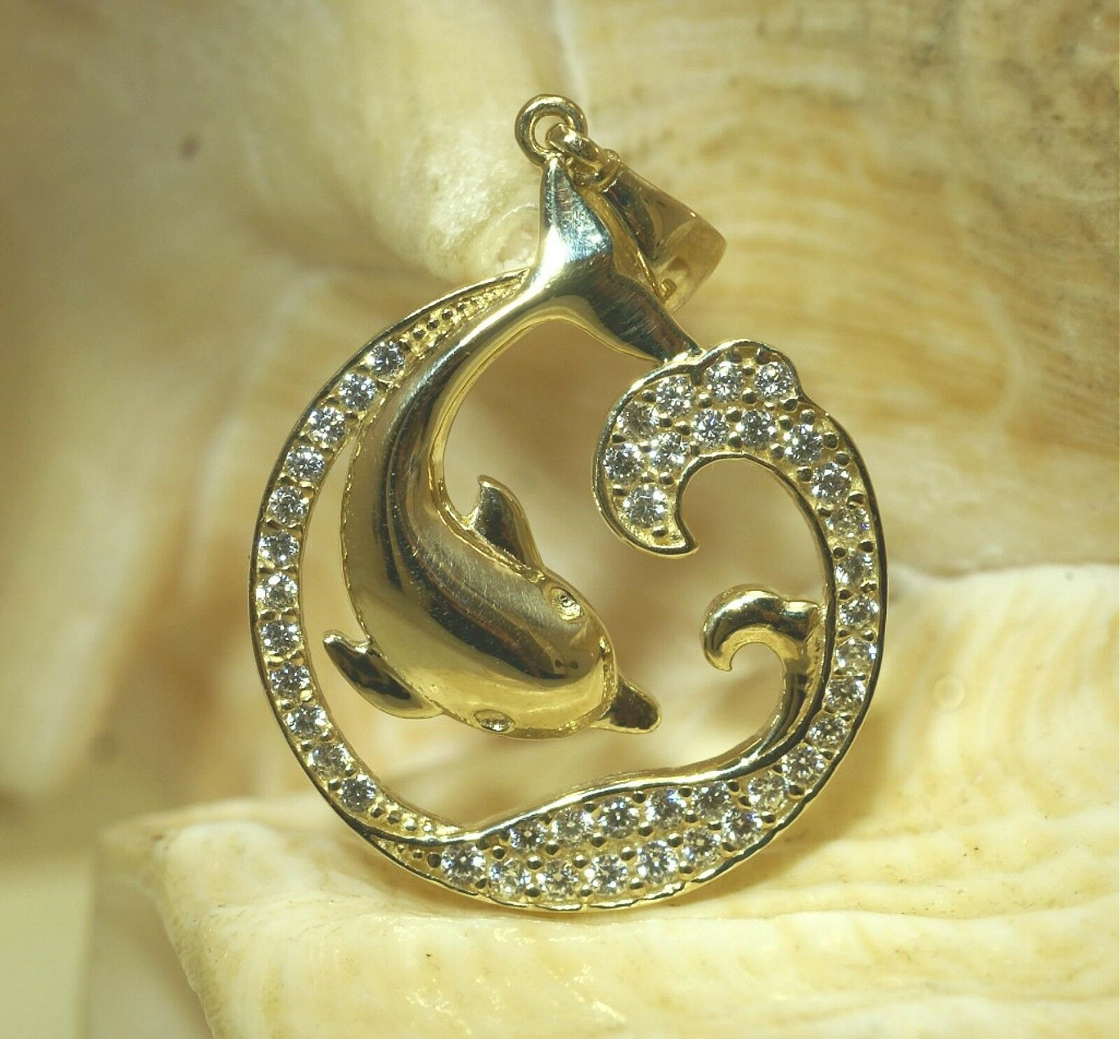 18.5MM SOLID 14K YELLOW gold HAWAIIAN DOLPHIN OCEAN WAVE CIRCLE CZ CHARM PENDANT