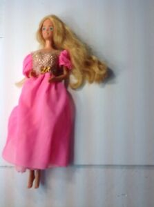 VINTAGE 1966 MATTEL BARBIE LONG BLONDE HAIR BLUE EYES, PINK LIPS PINK GOWN DV59