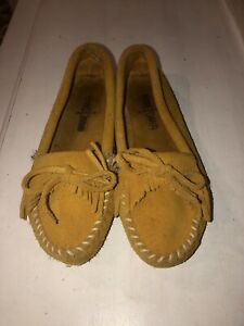 Minnetonka Women's BROWN Caramel Suede Leather MOCCASINS Shoes~Size 5