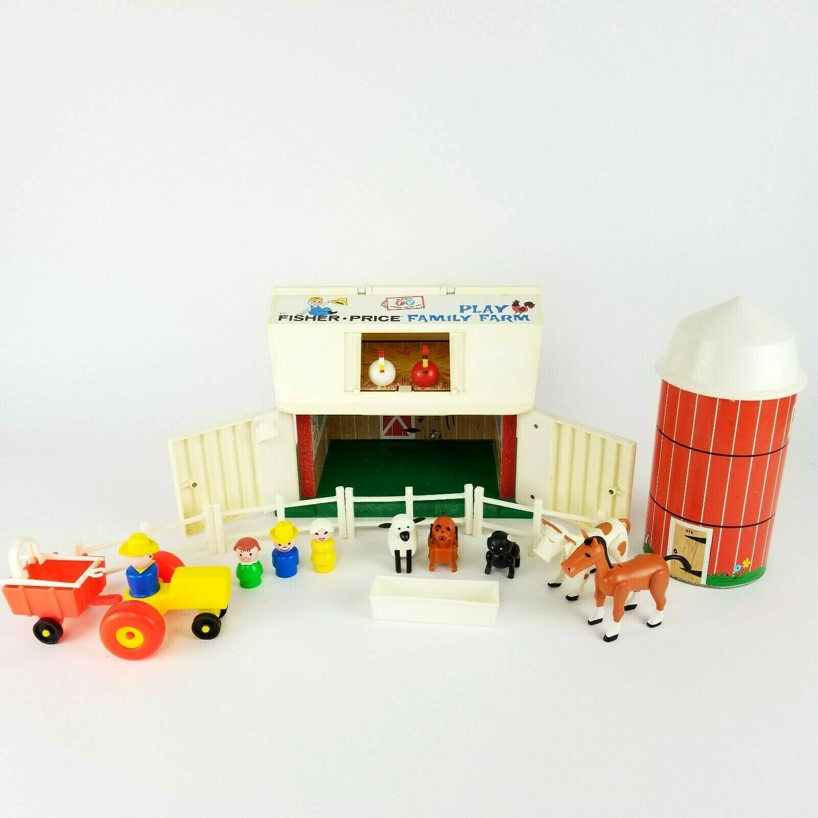 Vintage Fisher Price Little People People People Play Family Barn Silo Farm 9c2639