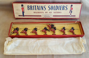 Britains-charging-Zouaves-vintage-toy-8-lead-soldiers-boxed-set-142-French-army