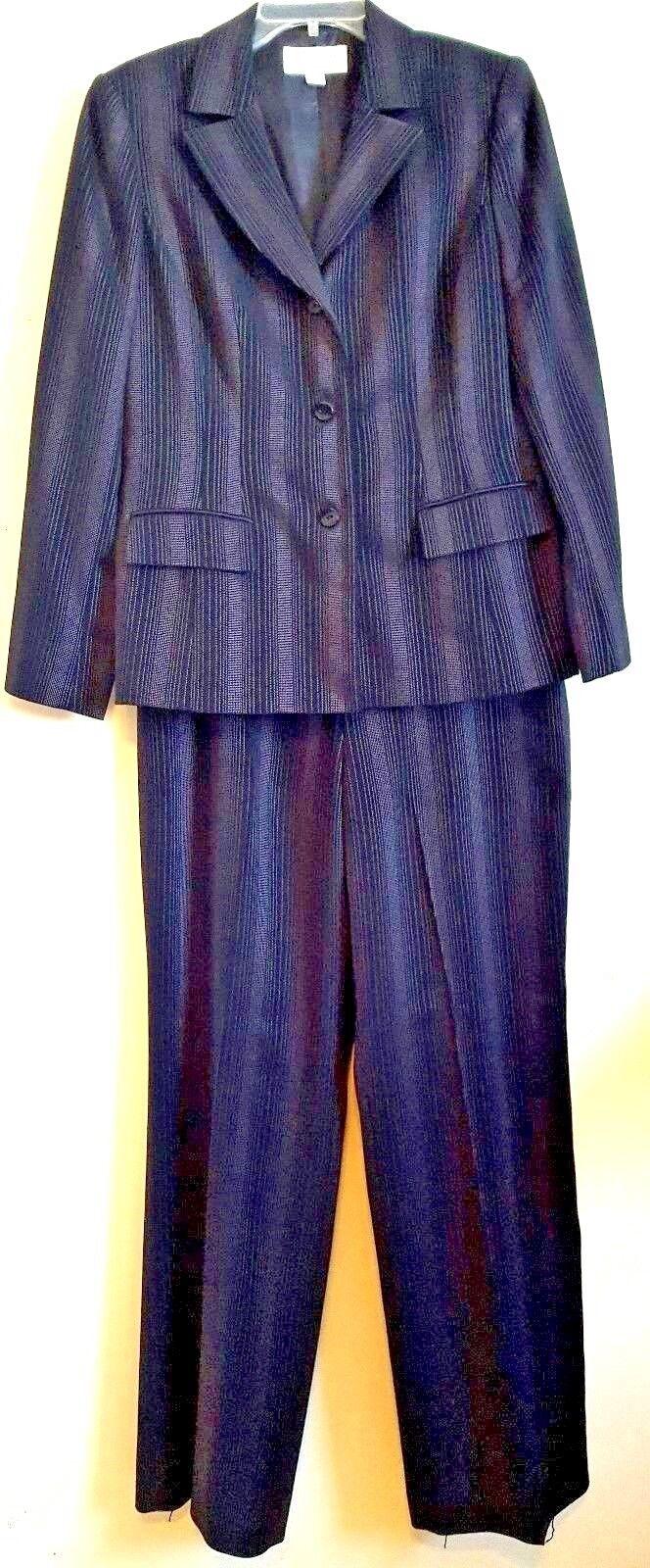 LIZ CLAIBORNE SUITS RN 52438 Women's 2-Piece Pin-Stripe Lined Pant Suit Size  12